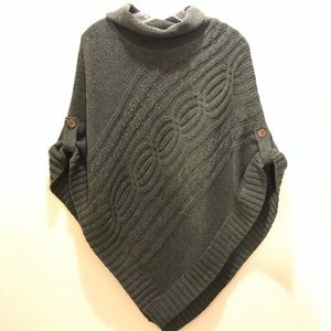 Cable knit poncho. Size M